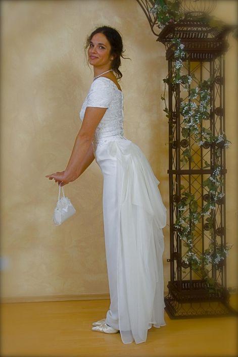 89dfc7b501 Menyasszonyi és Alkalmi ruhák kiárusítása
